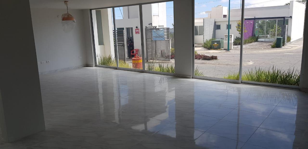 Carrusel de HERMOSA PROPIEDAD CON EXCELENTE UBICACIÓN FRENTE A PLAZA LAS AMERICAS EN XALAPA, VERACRUZ